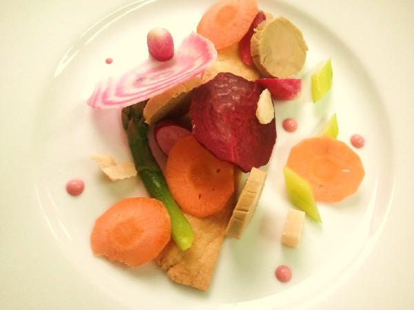 Sablé petits primeurs crus et cuits, foie gras de canard