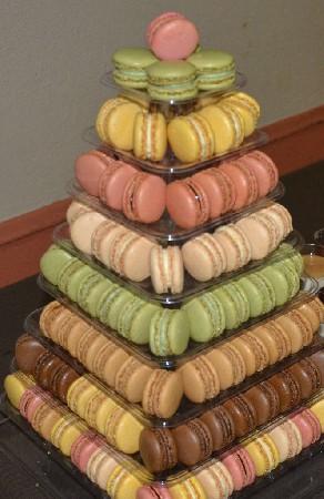 Desserts - Pyramide de macarons