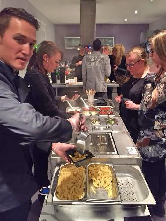 Le service à volonté !!! vous raffolerez de pouvoir gouter plusieurs portions de pâtes avec des sauces différentes!!!