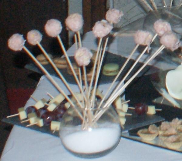 Cake pops à la mortadelle et noix