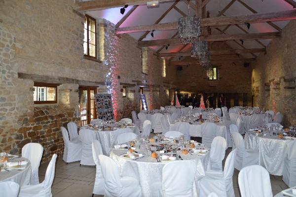 Mise en Place de la Salle pour Diner de Mariage